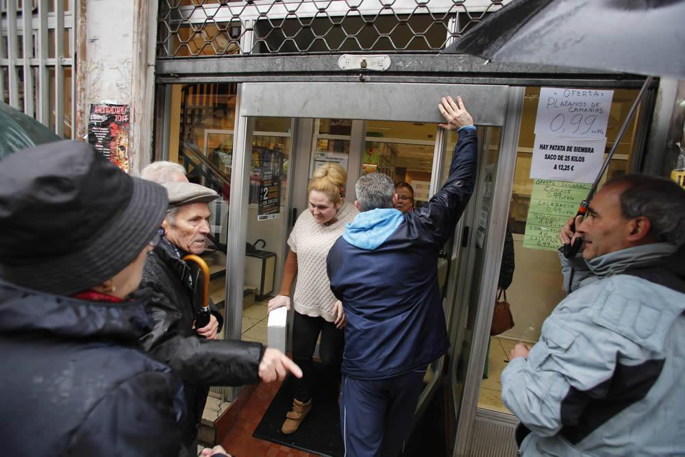 Protesta contra el cierre de los economatos