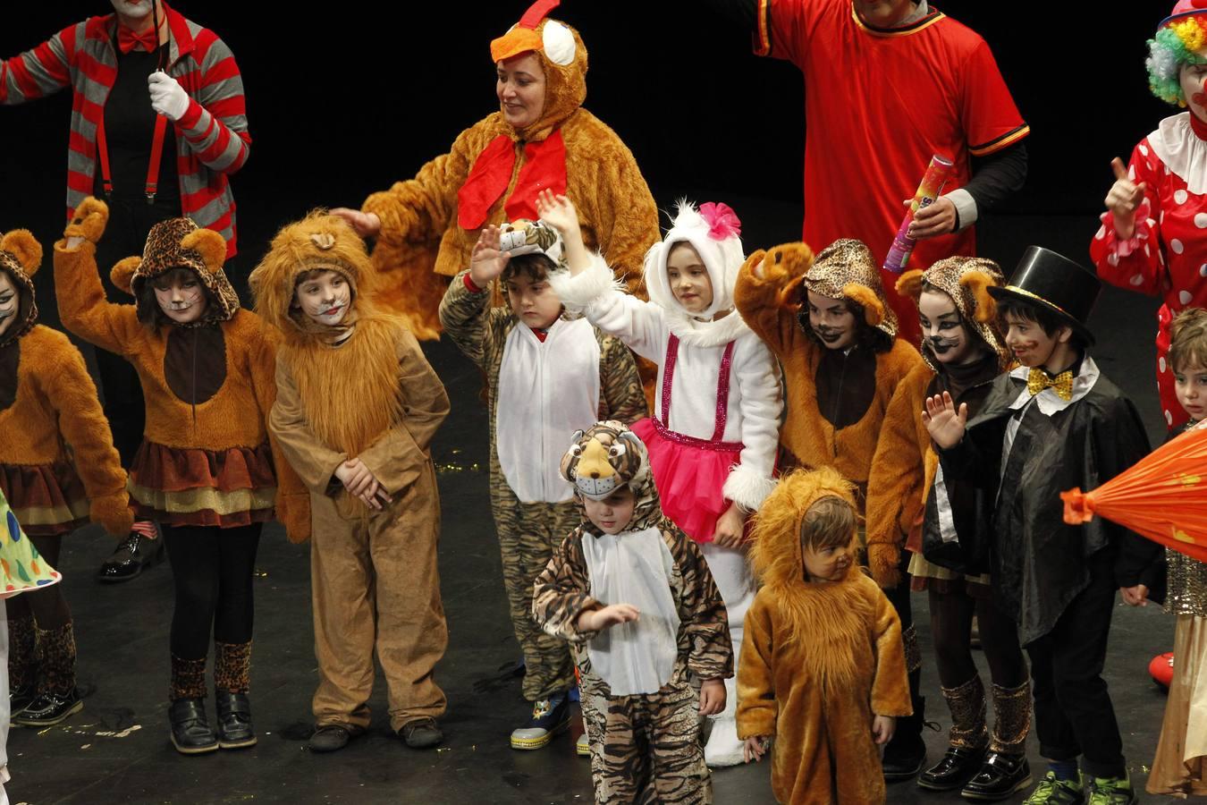 Disfraces de carnaval en el Teatro Jovellanos