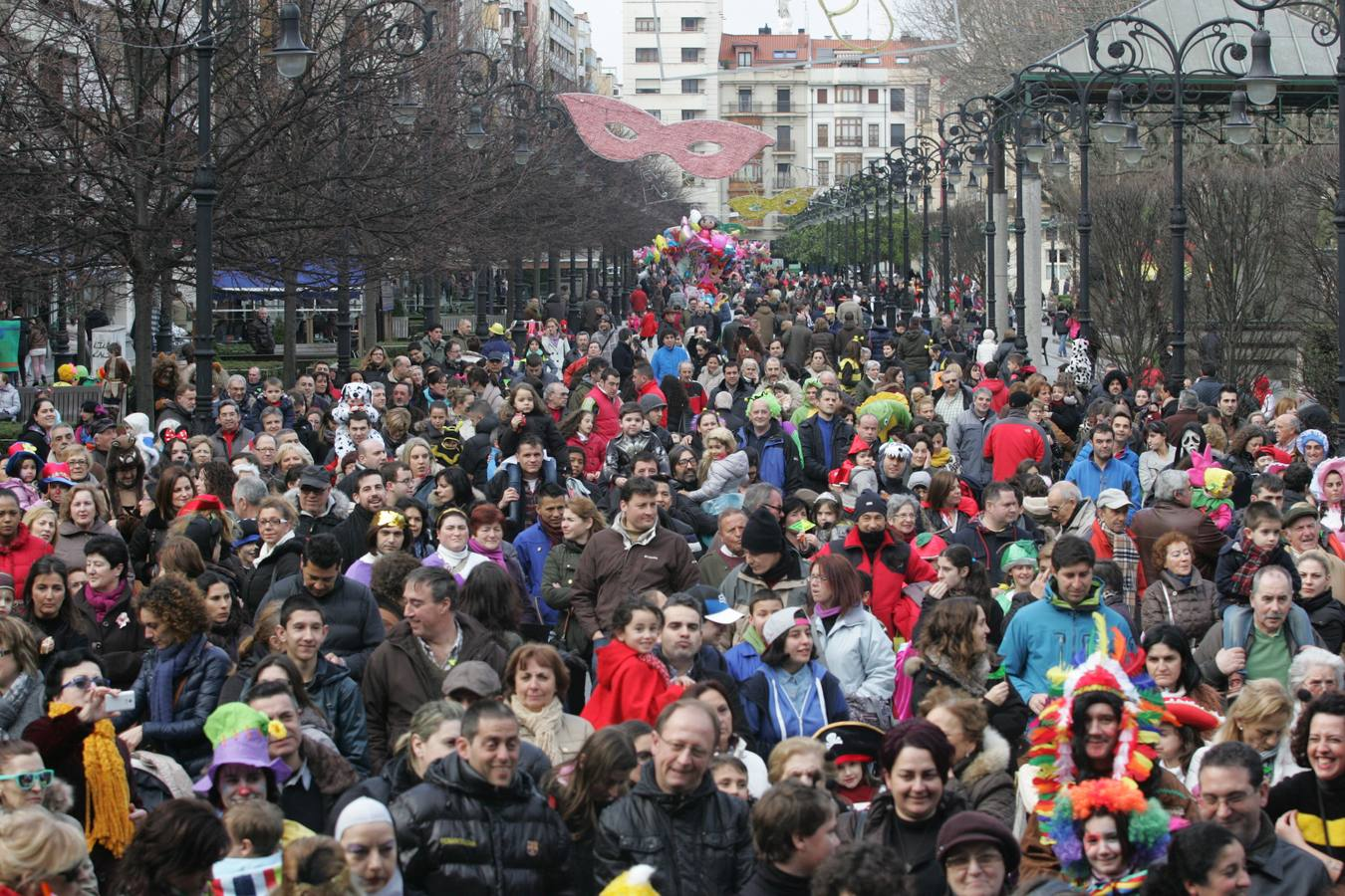 Gijón despide a la sardina del Antroxu