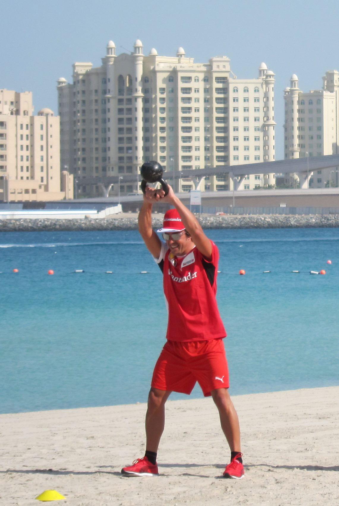 El trabajo de pretemporada de Alonso en Dubai, en imágenes