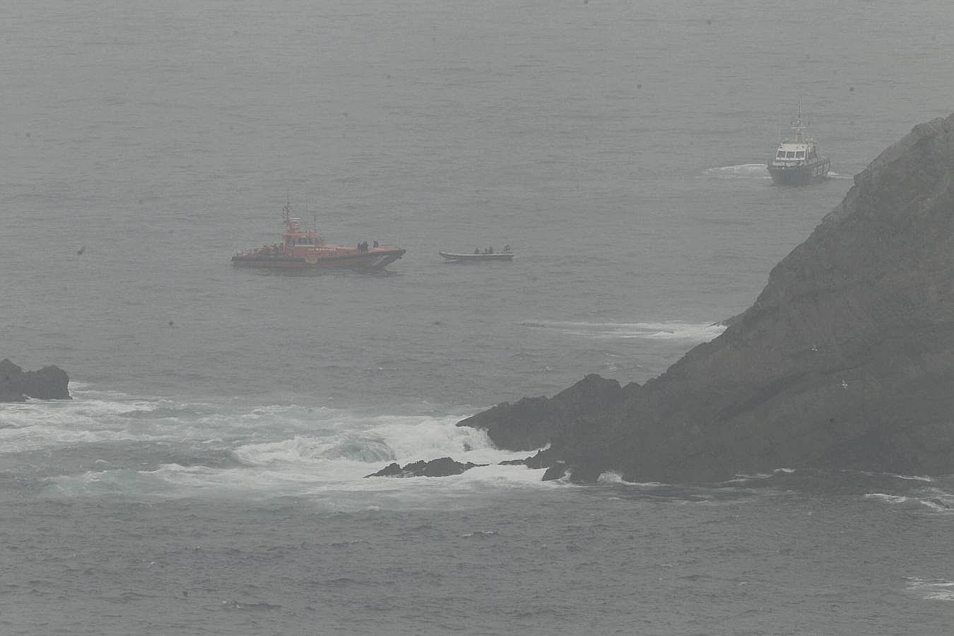 El operativo para rescatar a los pescadores del 'Santa Ana'