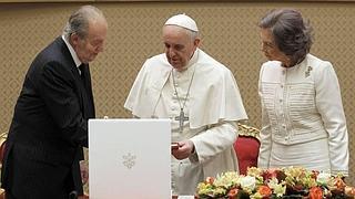 El papa Francisco recibe en audiencia a los Reyes de España