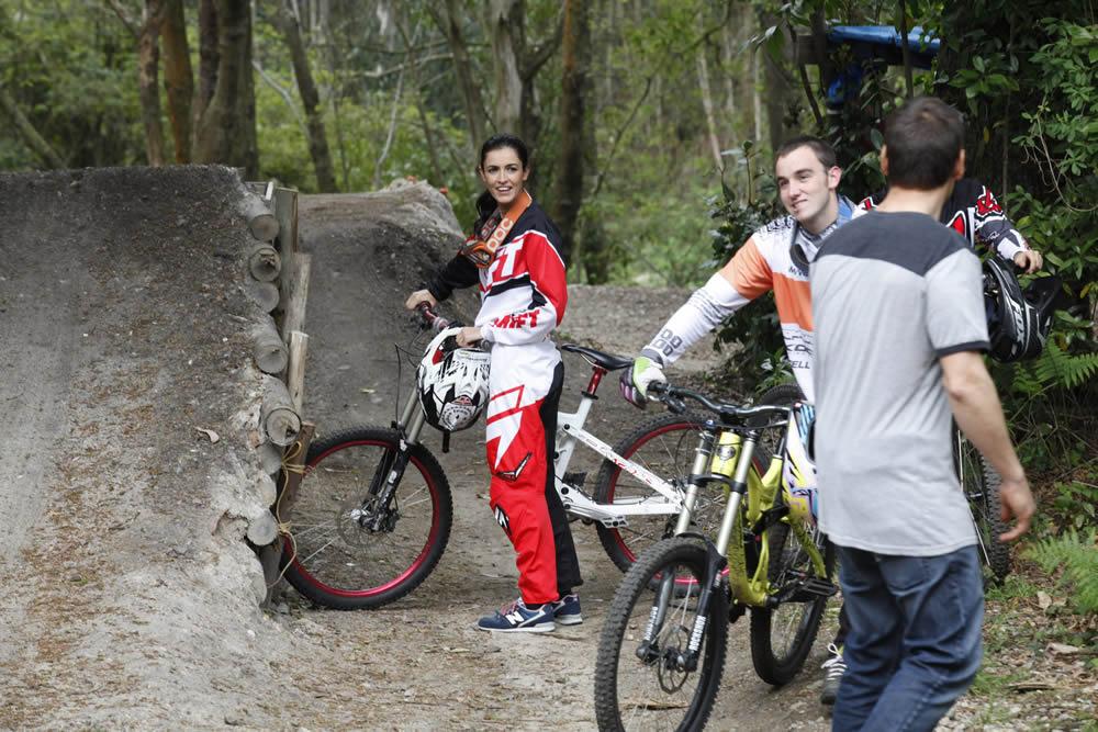 Blanca Romero participa en el rodaje del 'spot' Locos por Gijón