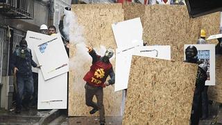 Graves choques entre la Policía y manifestantes en Estambul